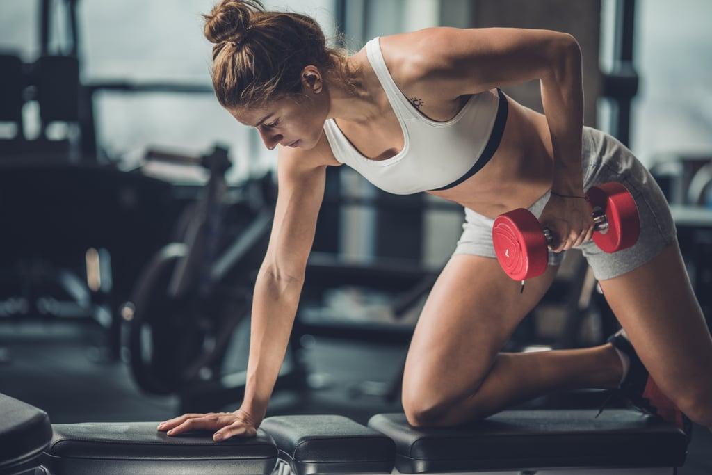 เรียนรู้พื้นฐานและสร้างกล้ามเนื้อด้วยการออกกำลังกายดัมเบลทั้งหมด 5 ตัว